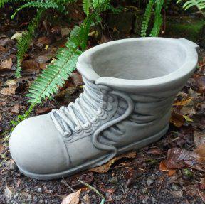 boot_planter_2.jpg