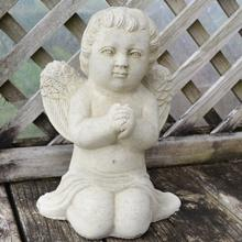 cherub_praying.jpg