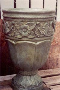 decorative_floral_urn_sml.jpg