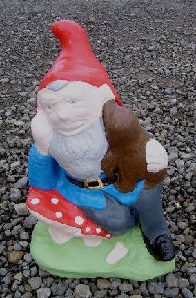 gnome_holding_dog.jpg