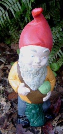 gnome_with_pumpkin.jpg