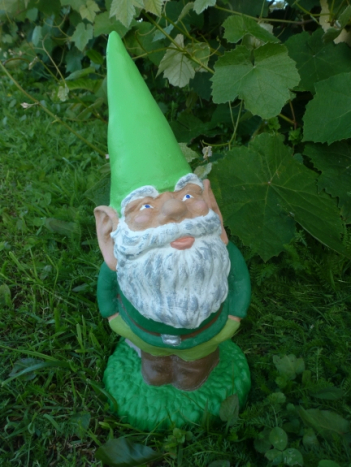 gnome_with_snails.jpg