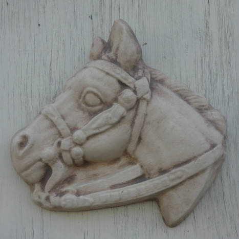 horse_head_plaque.jpg