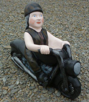 lady_biker_gnome.jpg