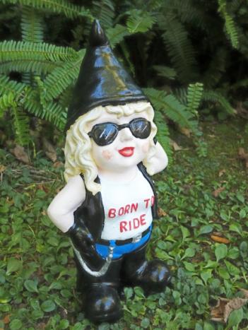 lady_bikie_gnome.jpg