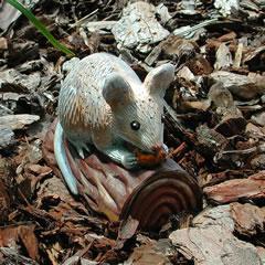 mouse-on-log.jpg