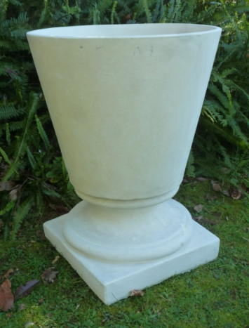 smooth_tapered_planter_on_stand.jpg