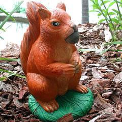 squirrel-with-nut.jpg