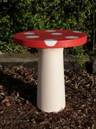 toadstool_table.jpg