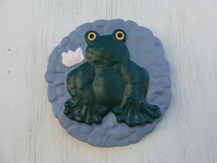 wall_plaque_frog.jpg